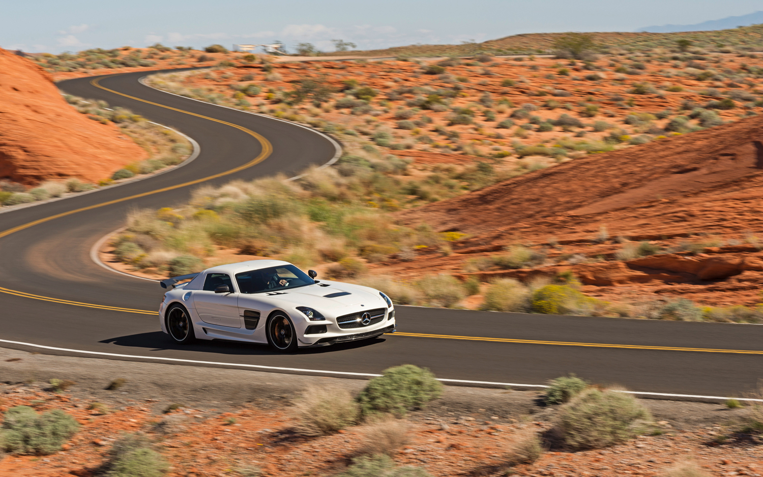 2014-Mercedes-Benz-SLS-AMG-Black-Series-side-in-motion-3