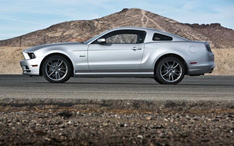 2013 Ford Mustang Magazine Side Profile