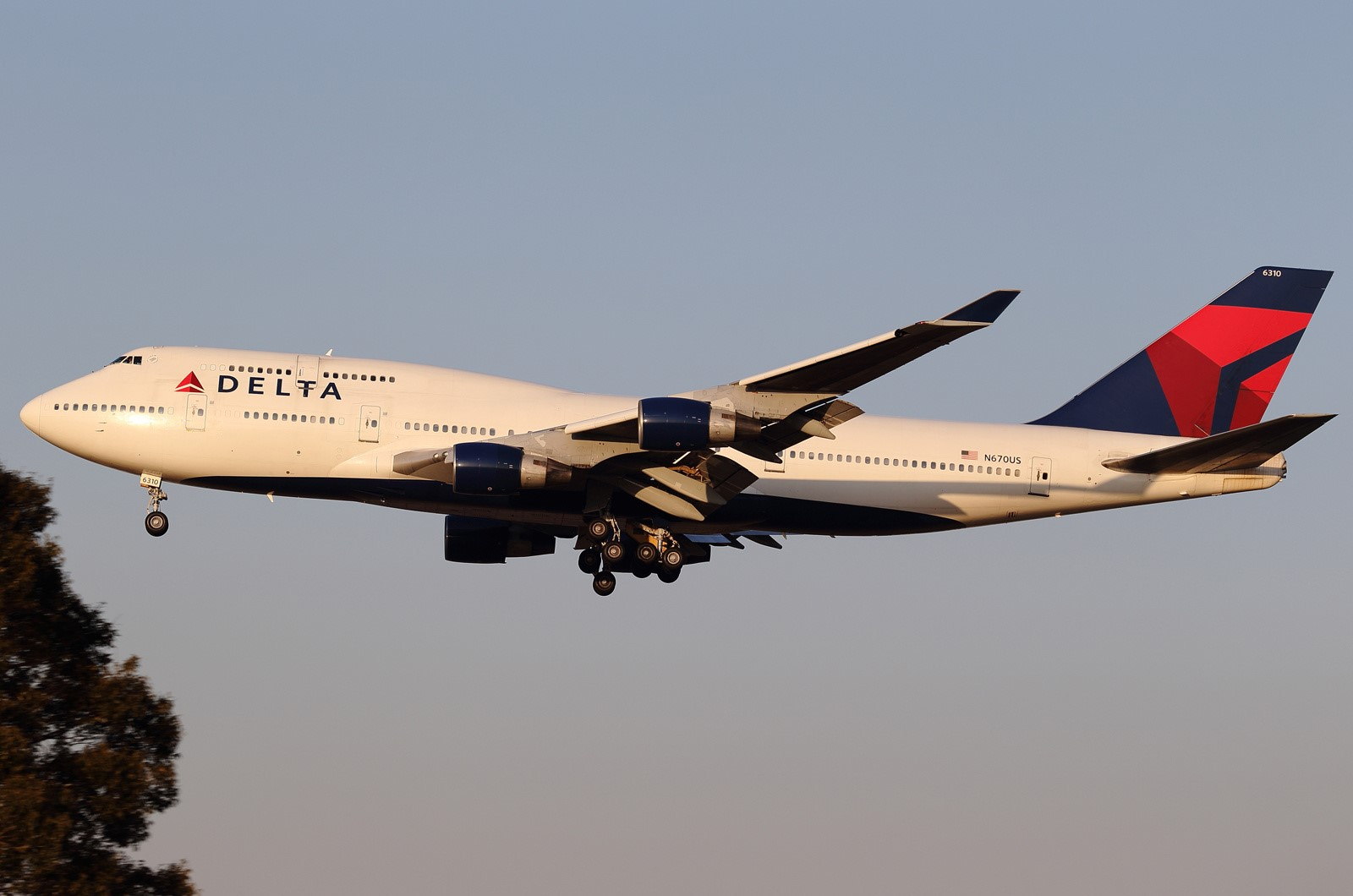 SMADE MEDIA - Delta Airlines 747 - WWW.SMADEMEDIA (1)