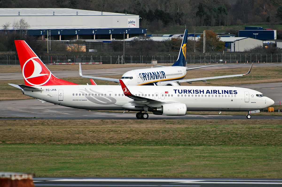 SMADE MEDIA - Turkish Airlines Boeing 737-900ER TC JYA - WWW (8)