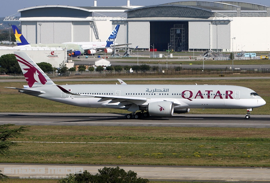 QATAR A350 Roll Out AND First Flight - SMADE MEDIA (4)