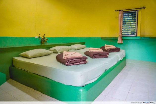 single-storey pineapple room