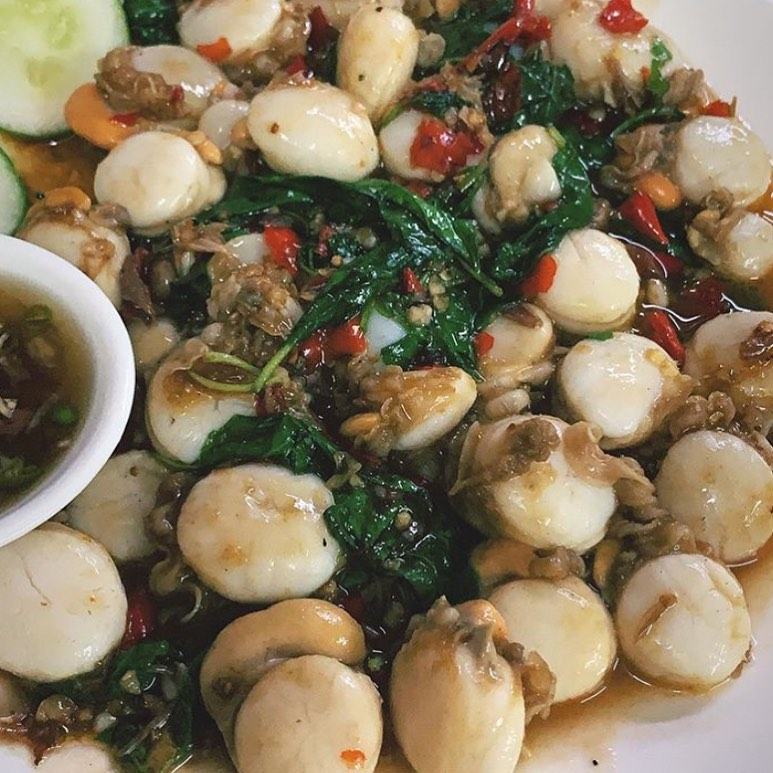 here hai holy basil stir fried scallops