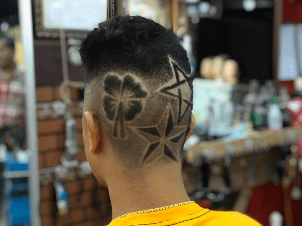 15-year-old own a barbershop in Thailand
