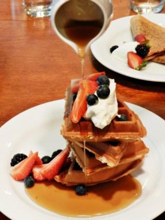 b2ap3_thumbnail_Belgian-Waffles-With-Strawberries-And-Blueberries-04.JPG