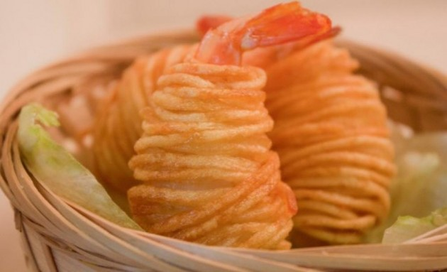 b2ap3_thumbnail_crispy-potato-wrapped-prawn_0.jpg
