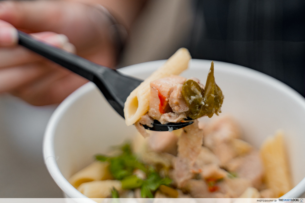 Green curry pasta - The Island Exchange