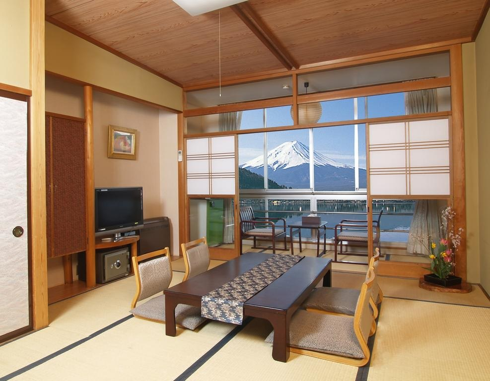10 Hotels In Japan With Views Of Mount Fuji That Look Straight Out Of A Postcard new century room
