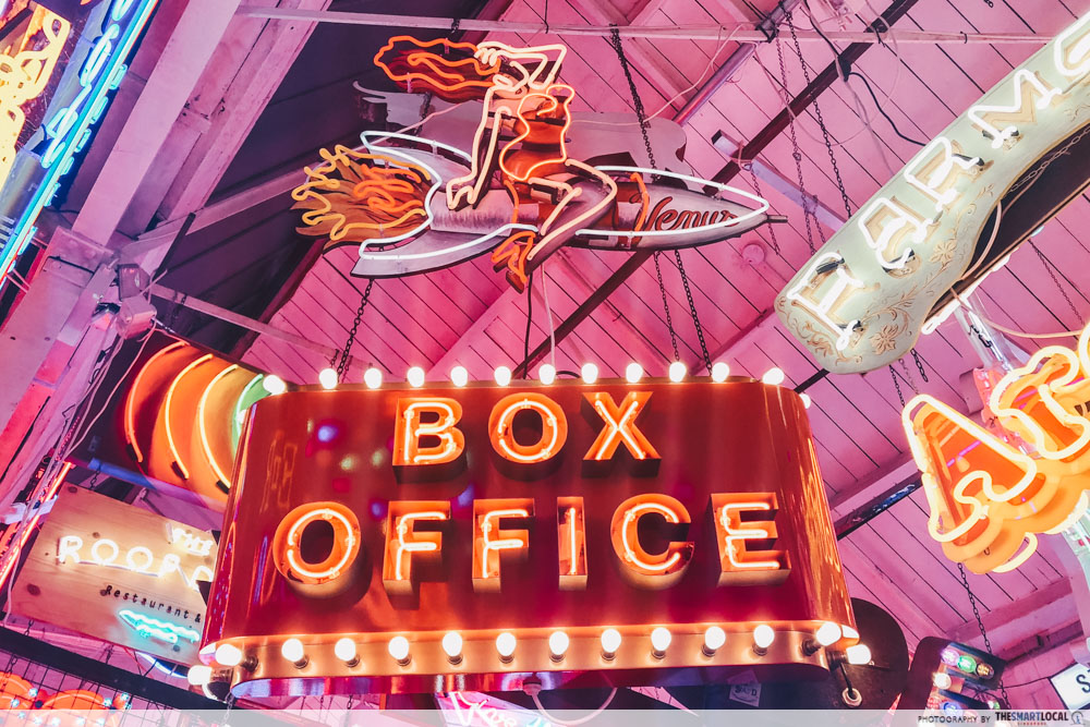 Neon signs - Box Office
