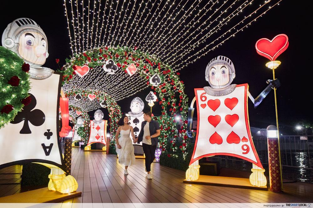 VivoCity Mid-Autumn 2019 Light-Up Alice in Wonderland Tunnel