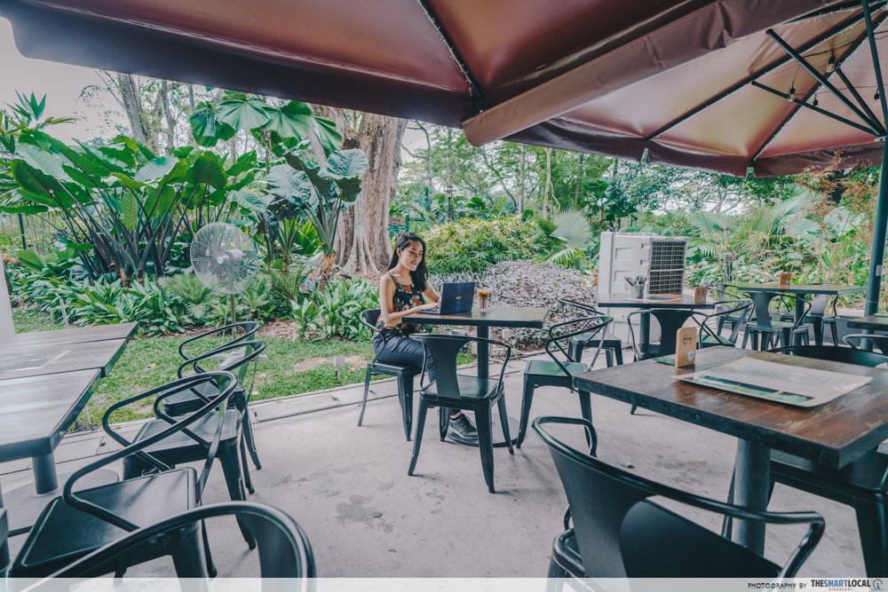 Bee's Knees Cafe Garage Botanic Gardens Singapore