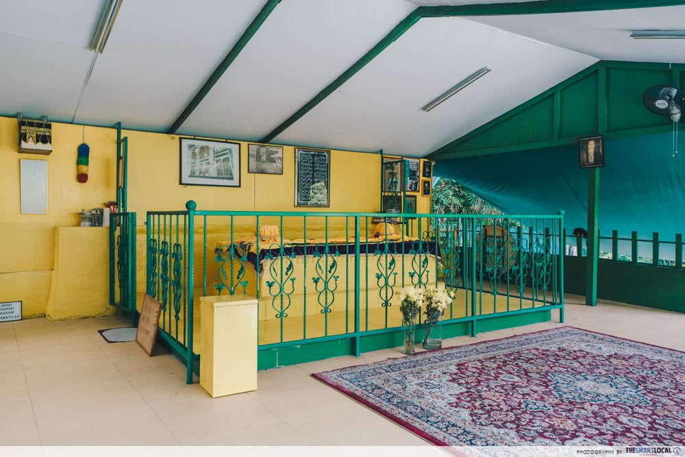 interesting singapore sites - makam puteri radin mas ayu or shrine for javanese princess