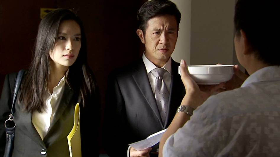 The Pupil is a Singapore TV series that follows lawyers as they deal with tough cases.