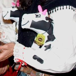 Vaca con cencerro etiqueta