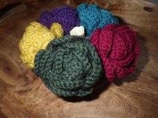 Roses from scrap yarn