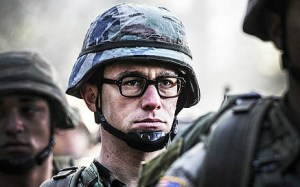 Joseph Gordon-Levitt plays Edward Snowden. (Photo courtesy of screenrant.com)