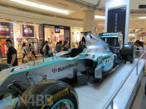 F1_BlackBerry_AMG_Petronas-4-1