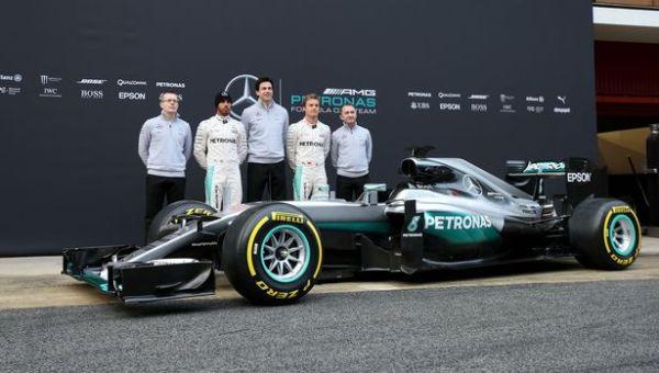 F1-2016-Mercedes-W07-Hamilton-Rosberg