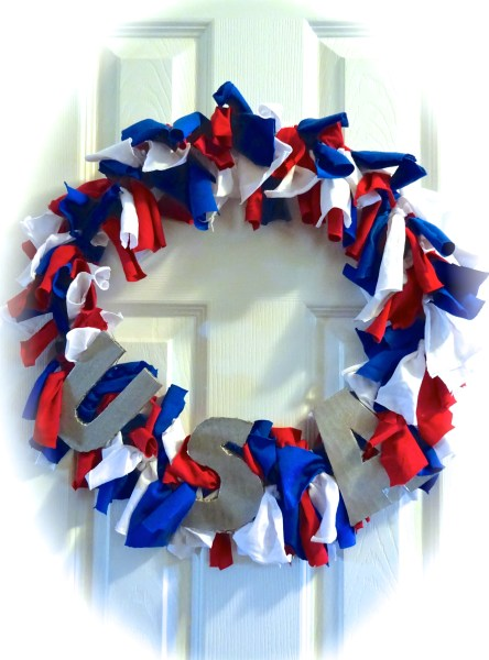 Upcycle your old T-Shirts to make a patriotic Fourth of July wreath -- an easy craft perfect to do with kids!