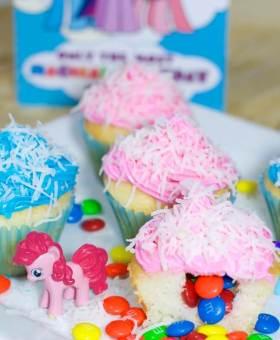 Easy Piñata Cupcakes