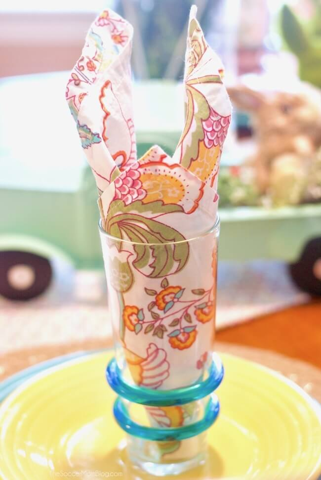 Easy folded Easter Bunny napkins