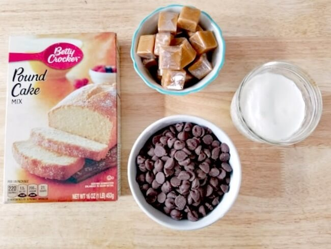 How to make Twix pound cake that tastes like the candy bar