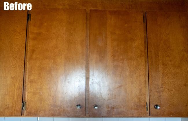 Wooden kitchen cabinets before farmhouse kitchen redo