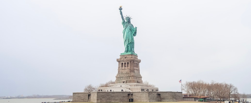 Statue of Liberty | Looking for alternative things to do in New York as a tourist? We visited after previously doing all of the tourist attractions and did New York my way | Travel Guide | The Social Media Virgin