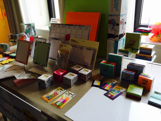 We Discovered 5 Useful Tips To Organize Our Work Space And Stay Productive With Post-it® Products
