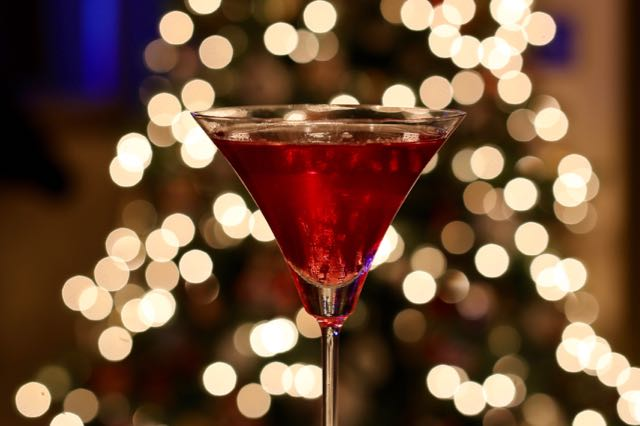 Oscar-Themed Cocktails To Celebrate Hollywood's Biggest Night