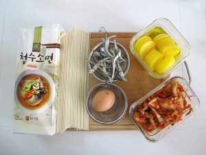 Korean cooking: Food, Janchiguksu 잔치국수 noodle soup