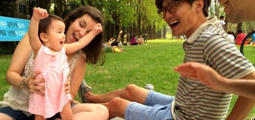 Yeonnam-dong, Seoul, Korea: Gyeongui Line Forest Park, family picnic. Jae-oo Jeong of Every Single Day with wife Hallie Bradley blogger from The Soul of Seoul and their baby.