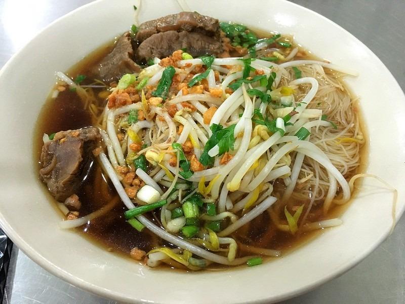 Soi Yeonnam by Tuk Tuk Noodle Thai, Yeonnam-dong, Seoul, Korea