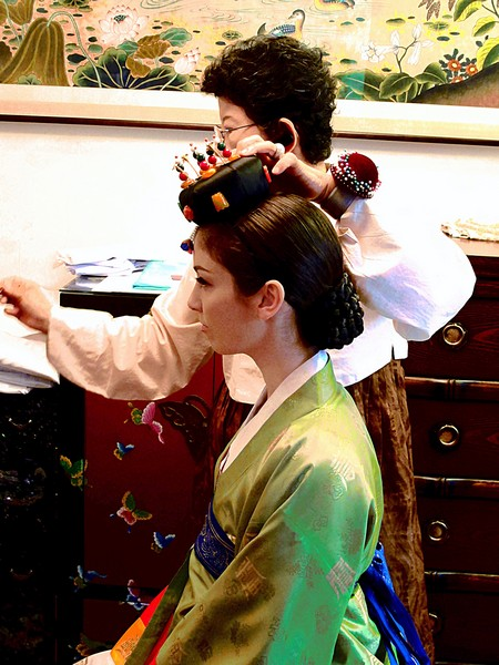 Korean Traditional Wedding: American Bride in a Traditional Korean Hanbok