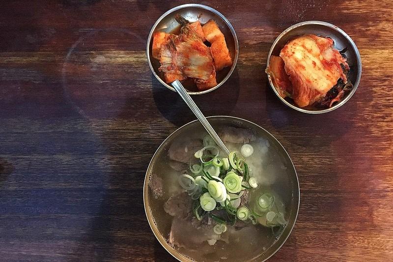 Hadongkwan, Gomtang Soup, Myeongdong, Seoul, Korea
