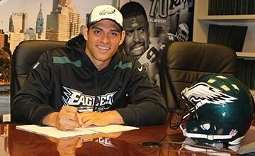 Mark Sanchez, football, philadelphia, eagles, contract