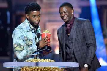 Chadwick Boseman Gives 'Black Panther' MTV Best Hero Award to Waffle House Hero