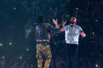 Drake Brings Meek Mill to Philly 'Aubrey & The Three Migos' Tour Stop