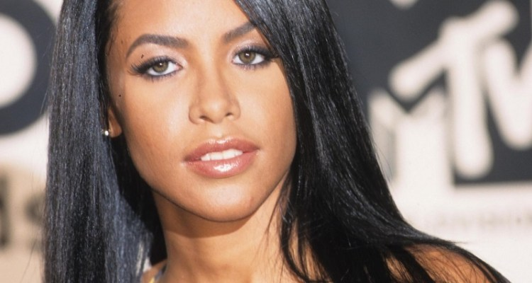 R. Kelly's Former Tour Manager Confirms he's Going to Testify Against the Singer About Aaliyah's Fake ID