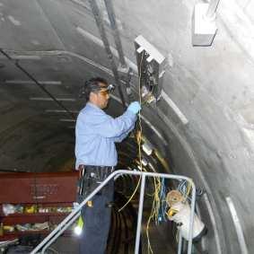 Metro worker relamping3