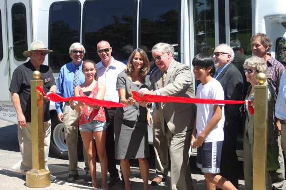 County of Ventura Supervisor Linda Parks and Agoura Hills Mayor Denis Weber, joined by local community members, celebrate the Kanan Shuttle. Photo courtesy of Consortium Media.
