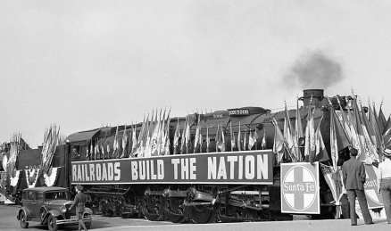 "The three railroads decorated their largest steam locomotives for the parade and show entitled ""Railroads Build the Nation."" Here Santa Fe locomotive No: 5006 represented the height of modern heavy power development. Photo by Ralph Melching"