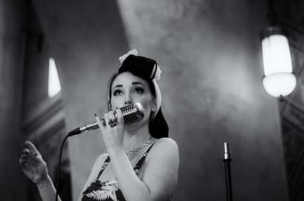Jennifer Keith performing in the Fred Harvey Room during the 75th Anniversary. Photo by Steve Hymon/Metro.