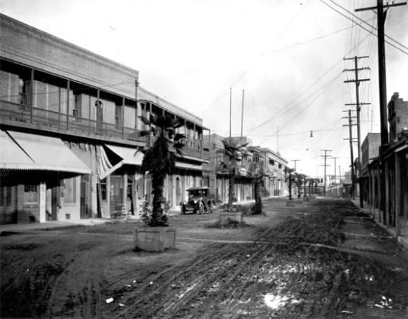 Marchessault Street in Old Chinatown, 1920. Courtesy of the Seaver Center for Western History Research, Natural History Museum of Los Angeles County.