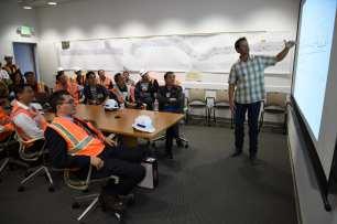 Michael Pearce, Metro Resident Engineer, speaking to Chinese engineers visiting the Crenshaw/LAX IPMO.
