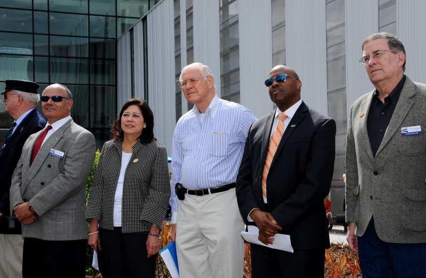 From left, Construction Authority Board Member Paul Leon, Metro Board Members Hilda Solis and Michael D. Antonovich, Metro CEO Phil Washington and Metro Board Member John Fasana.