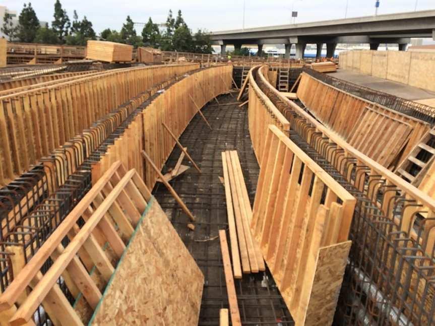 greeb-line-underpass-girder-stem-formwork-installation-ongoing