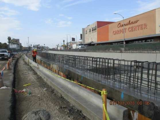 Installation-of-rebar-for-barrier-walls-near-Crenshaw-and-48th