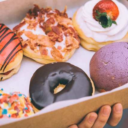 Decorate donuts with Café Dulce.