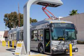 Metro's new zero-emission electric buses on the G Line.